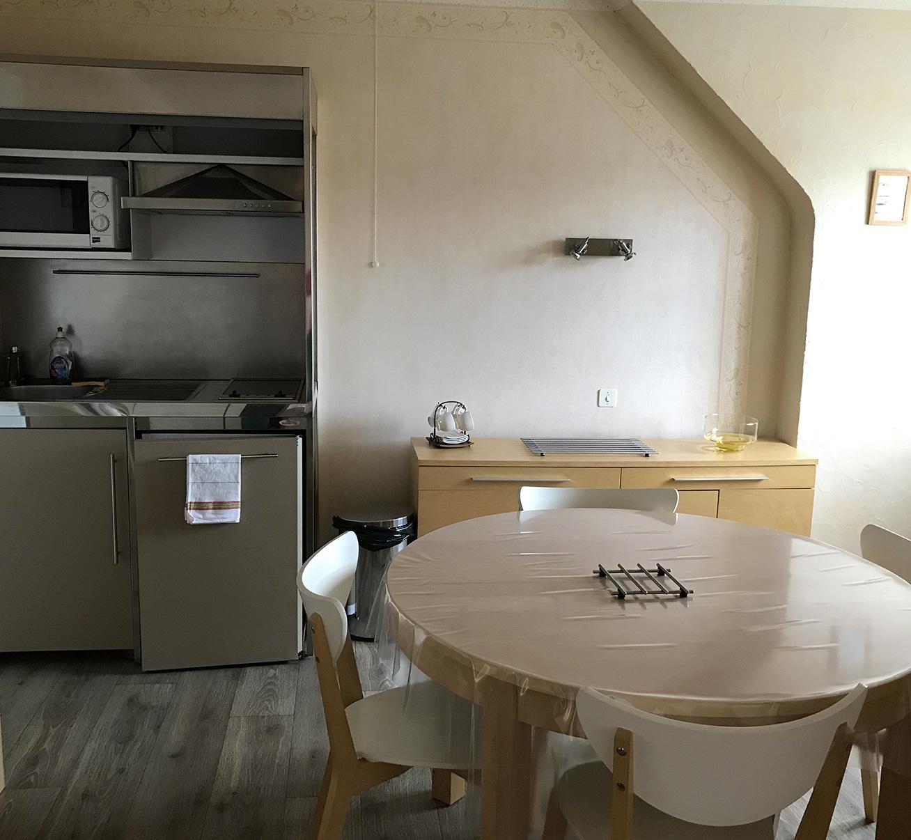 Appartement N° 2 - 2 lits 1 personne - coté jardin et rue